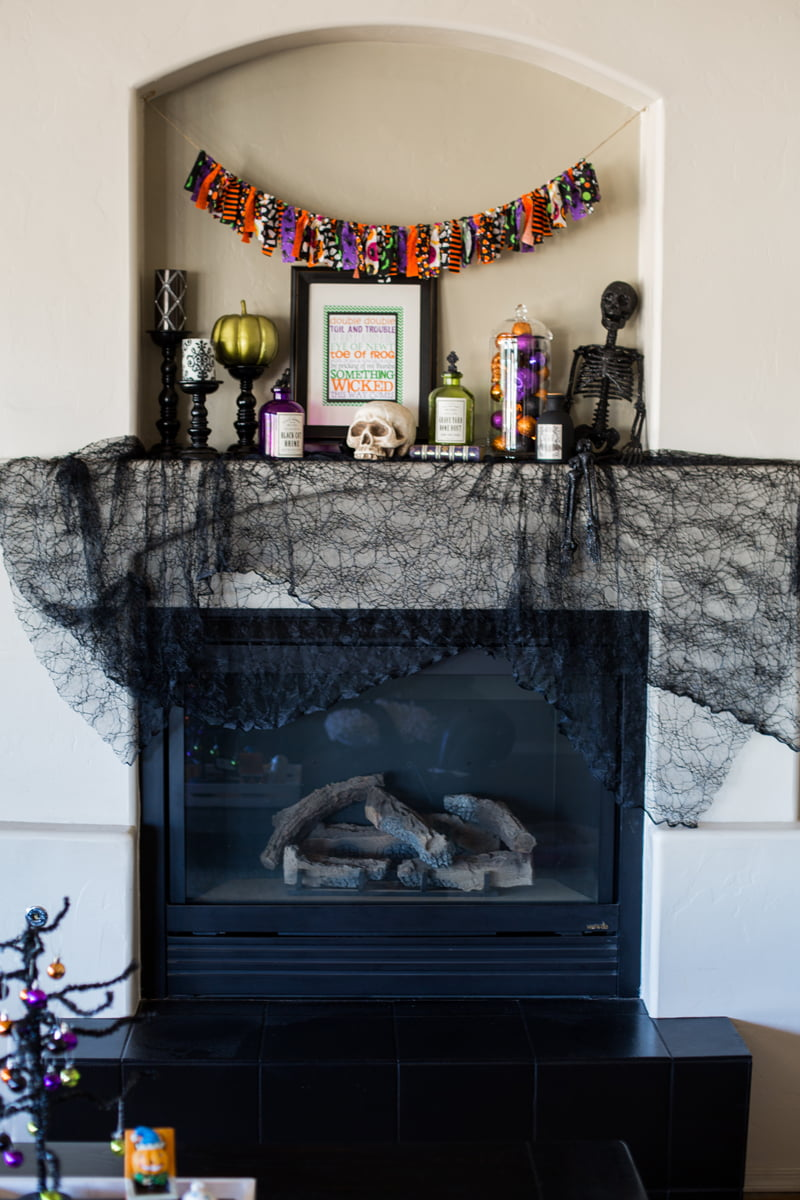 I take a classy and understated approach in my Halloween decor. These ideas will inspire you with cute ways to celebrate without going over the top.
