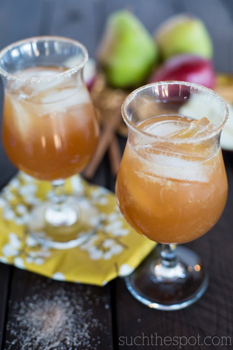 Autumn spiced pear & vanilla bean margarita | Such the Spot