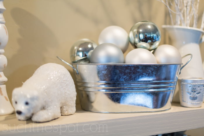How to decorate for Christmas :: shelves   Such the Spot