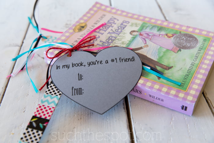 Super simple candy-free classroom valentine gift tutorial with a free printable themed tag!