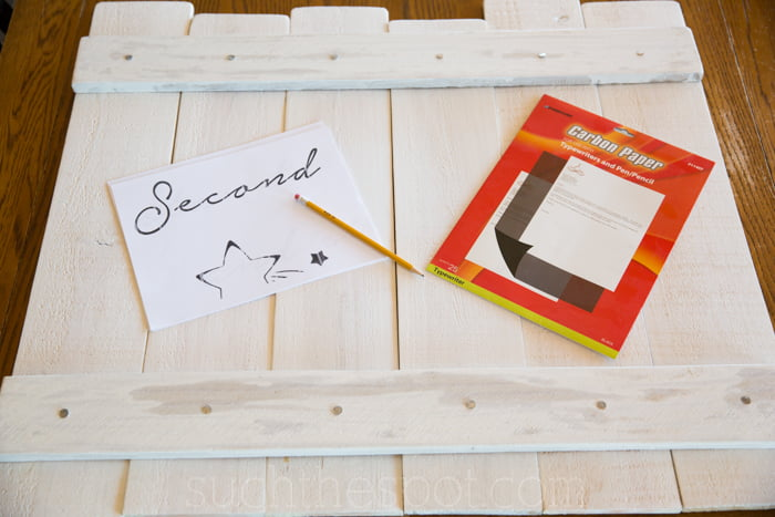 How to make a custom wood pallet sign :: tutorial