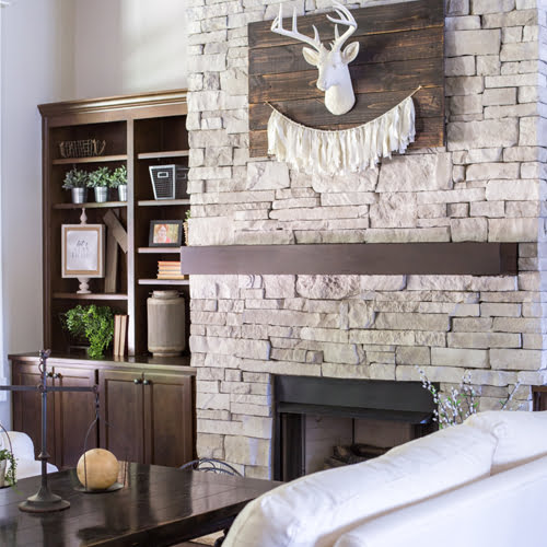 Inspiration for decorating a modern farmhouse great room