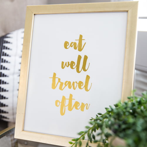 Ideas for creating a home office space personalized to reflect your travel destinations