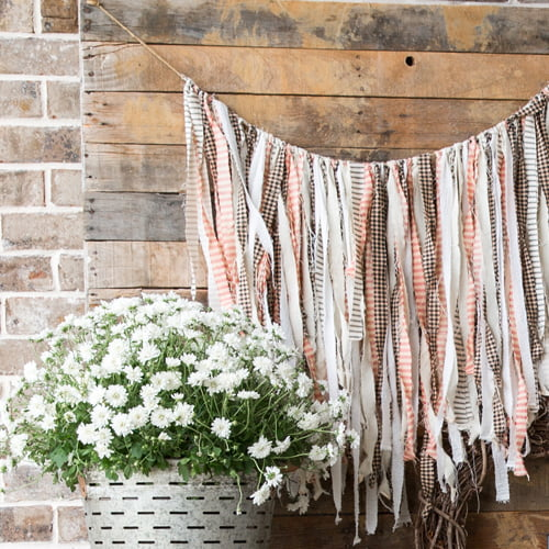Fall Porch Decor | 5 elements you need to DIY a rustic, inviting and seasonal front porch