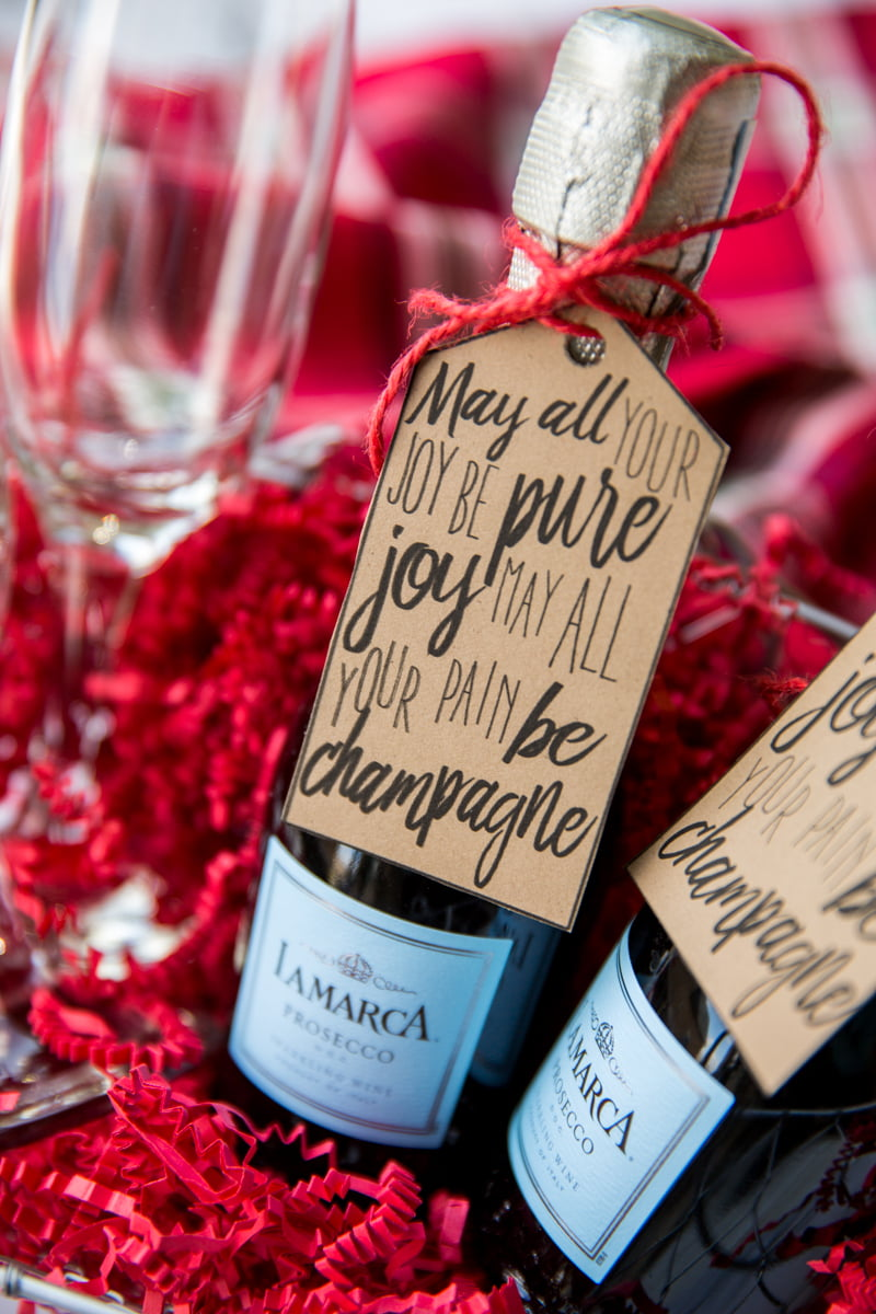 Printable Champagne Gift Tag | Easy + Inexpensive DIY Gift