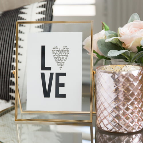 This free printable Valentine's Day sign is a cheap, easy and adorable way to add some festive fun to your home decor for the holiday. It's modern and versatile enough to fit most any style.