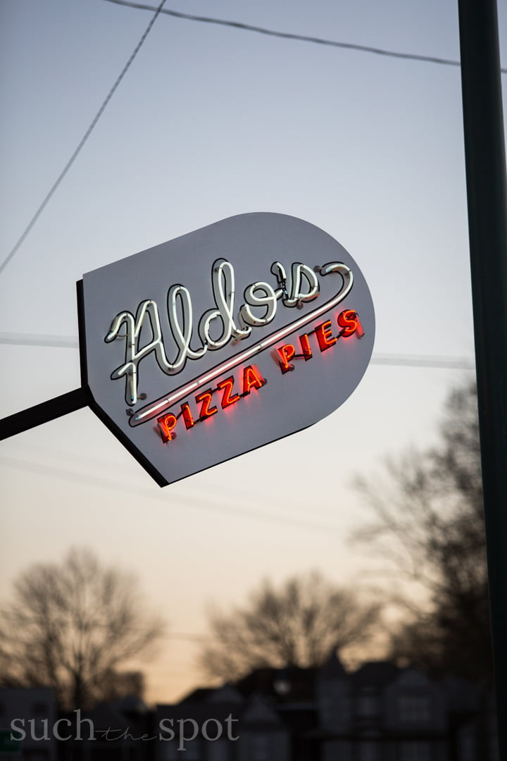 Aldo's Pizza Memphis exterior sign