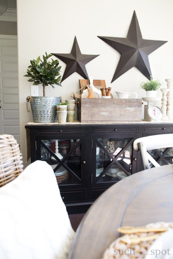 Side table decorated with modern farmhouse spring home decor ideas