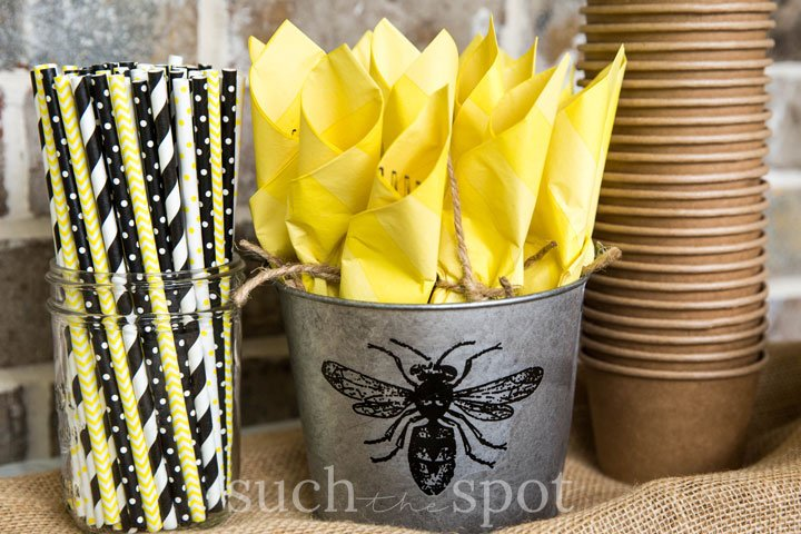 Decorations for bee graduation party theme and ideas