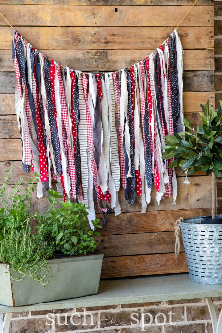 summer front porch easy rag garland
